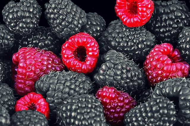raspberries-612485_640