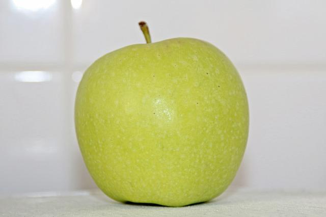 apple-352321_640