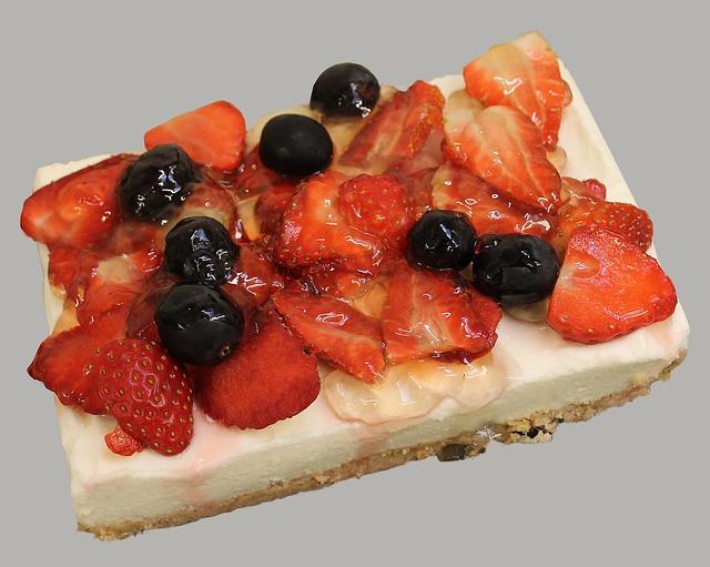 strawberry-cake-743851_640