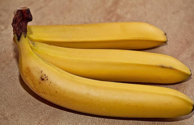bananas-674588_640