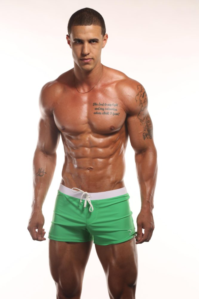 Magnum Athlete Deron Gamble: WBFF Fitness Model & Hitch