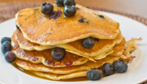 Blueberry_Buttermilk_Pancakes_2-580